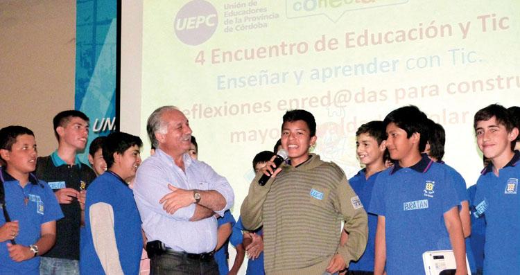 """""""Los jóvenes van a parirnos como docentes"""""""